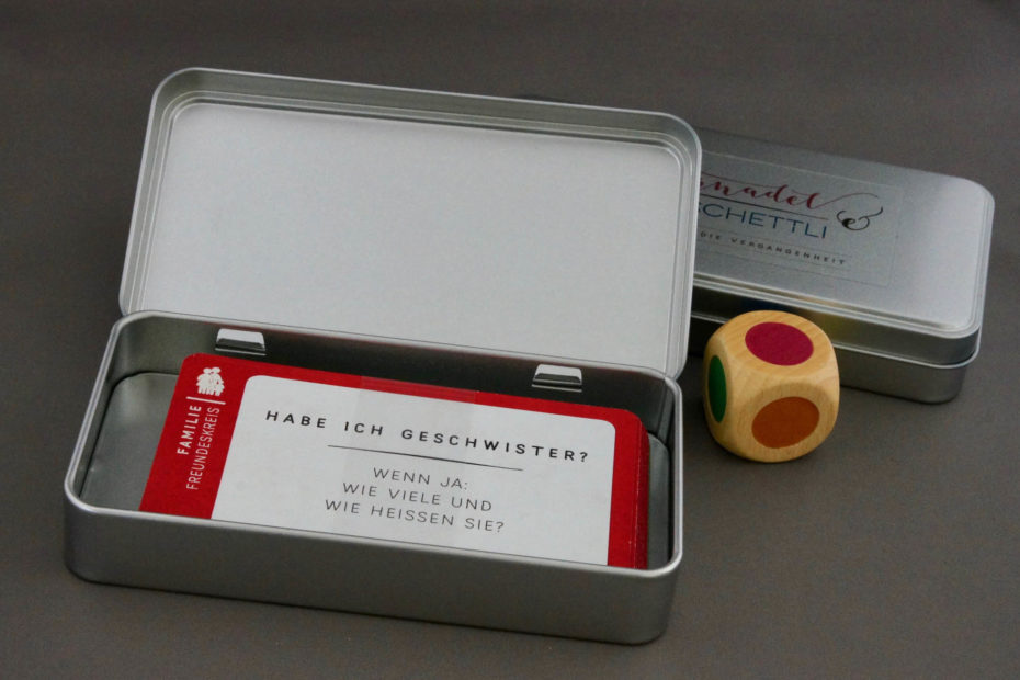Kartenbox mit Farbwürfel